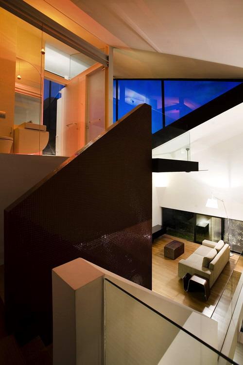 1274193730-stairwell
