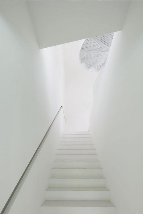 1330563759-stair2