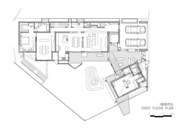 1255633415-first-floor-plan