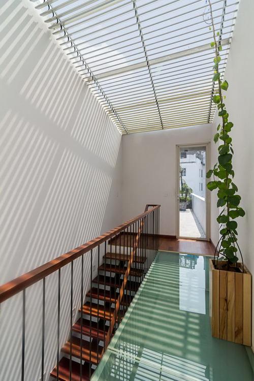10_Staircase2_Hoang-Le-Copy