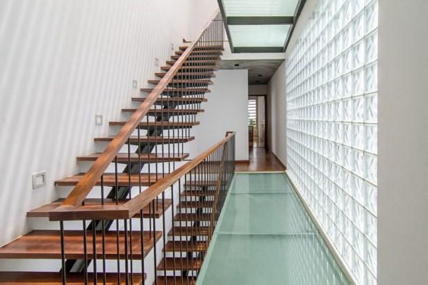 12_Staircase3_Hoang-Le-Copy