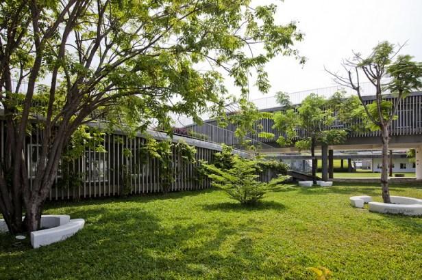 13_green_facade