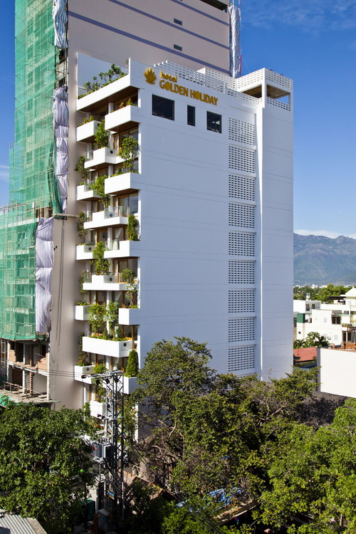 hotel-golden-holiday-in-nha-trang-trinh-viet-a-architects_01_exterior