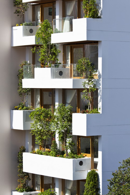 hotel-golden-holiday-in-nha-trang-trinh-viet-a-architects_02_greenbalcony