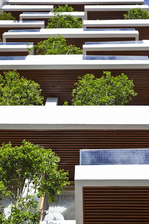 hotel-golden-holiday-in-nha-trang-trinh-viet-a-architects_04_lookingup