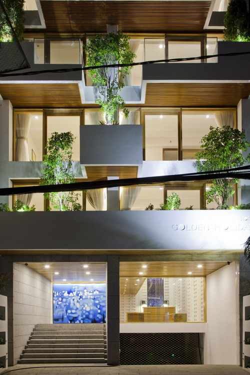 hotel-golden-holiday-in-nha-trang-trinh-viet-a-architects_07_entrance