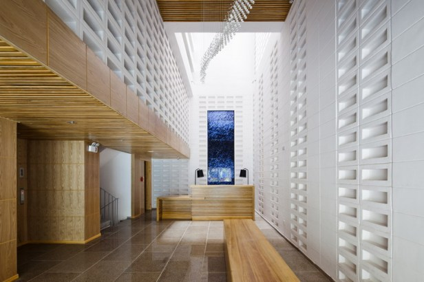 hotel-golden-holiday-in-nha-trang-trinh-viet-a-architects_08_lobby