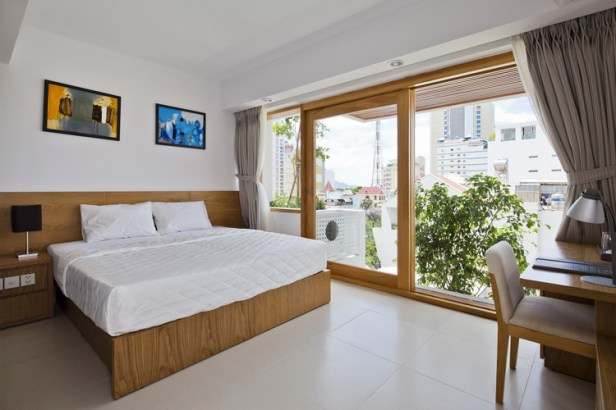 hotel-golden-holiday-in-nha-trang-trinh-viet-a-architects_27_guestroom_facadeside