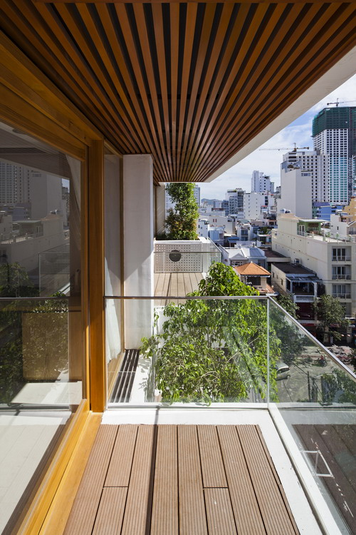 hotel-golden-holiday-in-nha-trang-trinh-viet-a-architects_29_balcony
